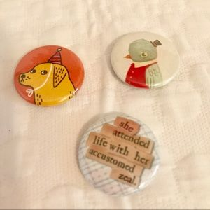 Jewelry - Bundle of 3 mini buttons dog bird pins